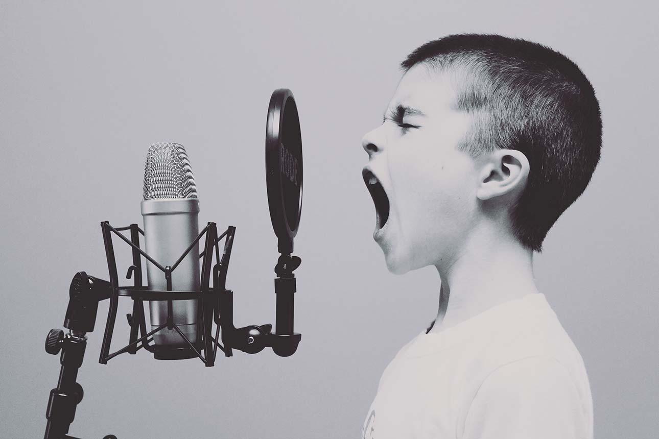 Il 33% degli Utenti Usa Regolarmente l'Assistente Vocale